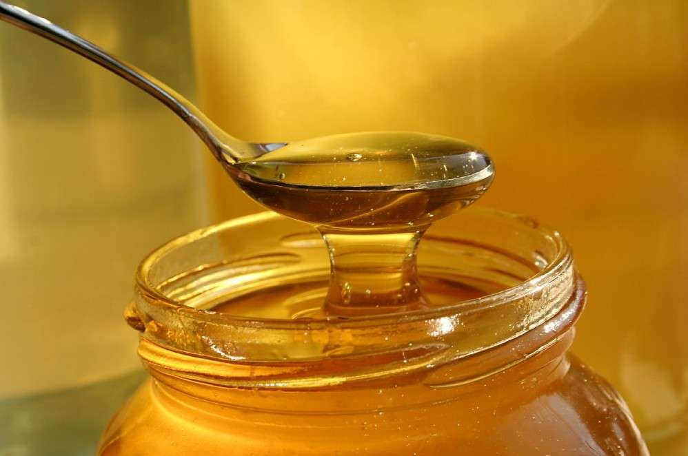5 Reasons You Need a Spoonful of Honey