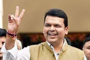 CM praises rise of education quality in Maharashtra